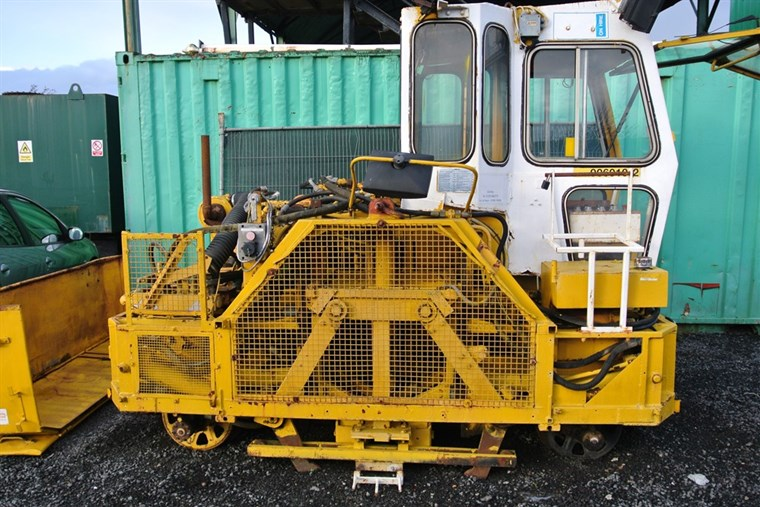 Photo of Self Propelled Railway Sleeper Squarer For Sale